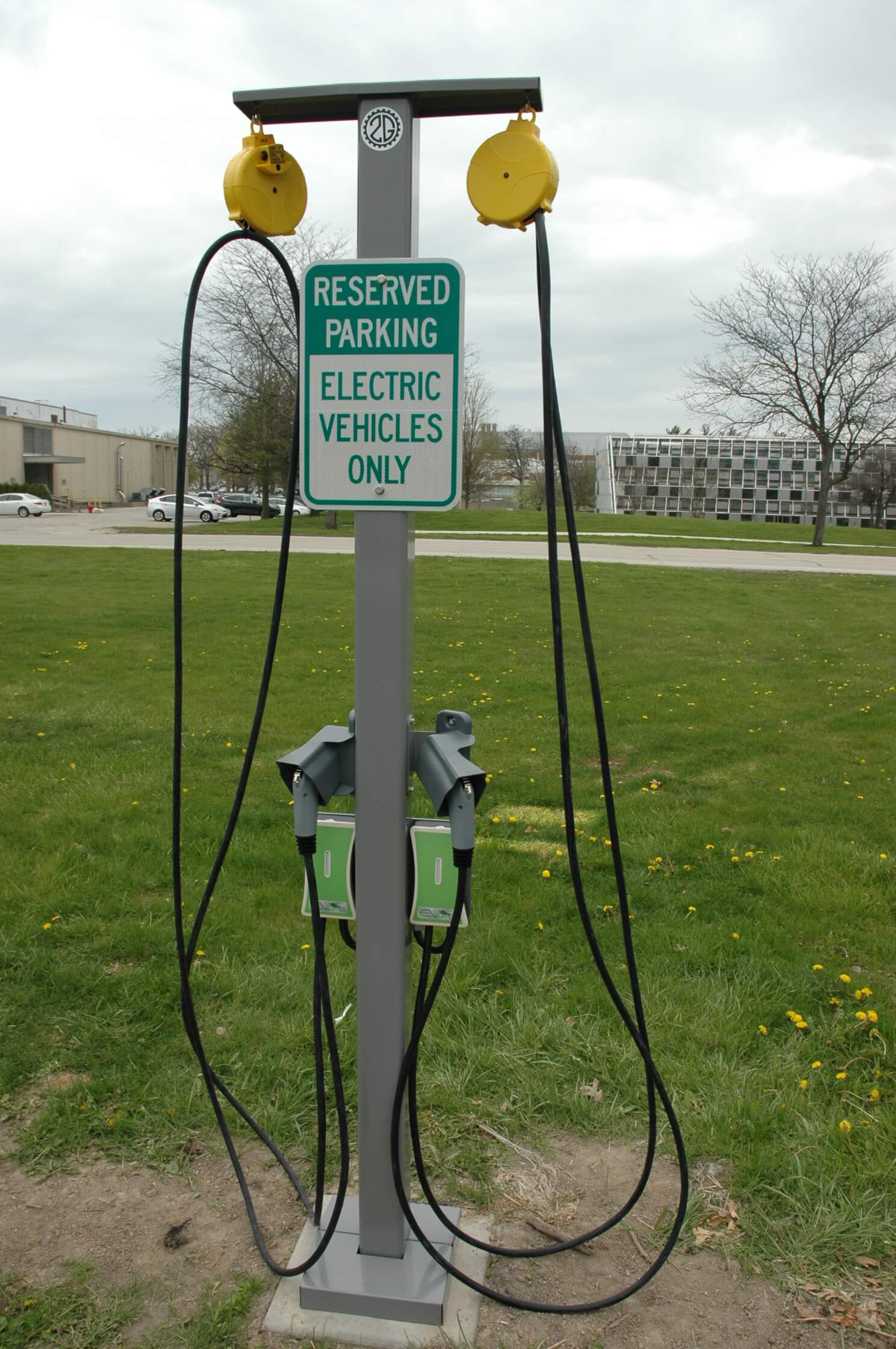 Electric vehicle charging station by 2G Engineering