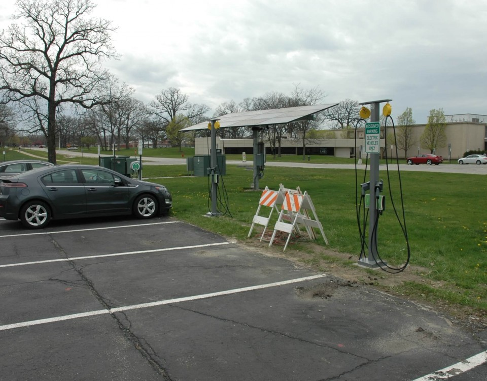 electric vehicles charging at argonne national labs